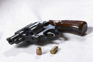 Comment nettoyer un Colt Agent Revolver