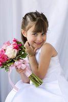 Coiffures suggérées pour filles de fleur