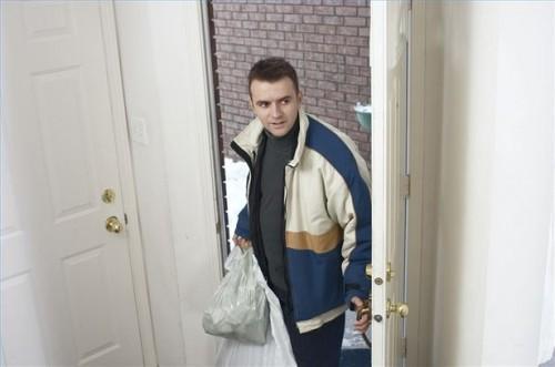 Comment se faufiler dans une maison après Couvre-feu