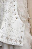 Comment faire pour créer votre robe de mariage de A à Z