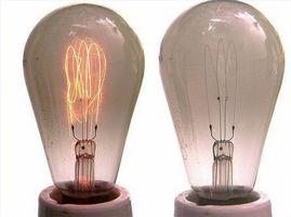 Qu'est-ce gaz est utilisé dans les ampoules électriques?