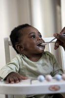 Comment nourrir un bébé avec une cuillère