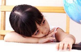 Raisons typiques Un enfant Répétez maternelle