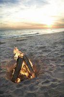 Comment faire pour démarrer un feu de joie sur la plage