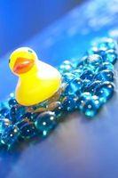 Comment décorer les tables buffet pour une douche Ducky bébé