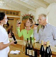 Comment décorer votre table pour une dégustation de vin Accueil
