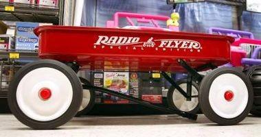 Comment décorer une Radio Flyer Wagon pour un mariage