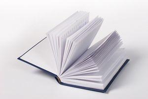 Écrit une préface à un livre de citations
