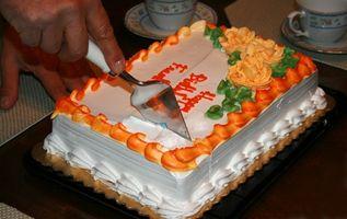 Comment faire des gâteaux d'anniversaire pour les fêtes d'enfants