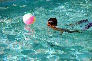 Comment enseigner la sécurité des piscines pour enfants d'âge préscolaire
