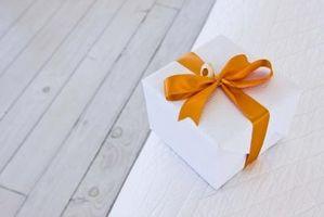 Comment faire une réception de mariage boîte-cadeau carte