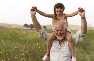 Jeux de plein air pour les grands-parents et petits-enfants à faire ensemble