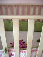 Comment faire pour convertir la Jenny Lind Lit dans un lit tout-petits
