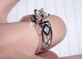 Comment concevoir votre propre bague de fiançailles de diamant