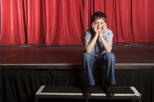 Comment adhérer à des programmes de théâtre jeunesse