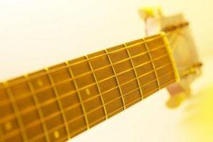 Comment prendre une Truss Rod Sur un Guitar