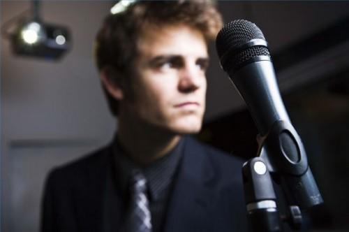 Comment lancer une carrière en chantant