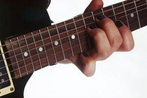 Comment nettoyer Chrome sur un manche de guitare Guitare