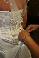 Comment nettoyer une robe de mariée par le lavage des mains