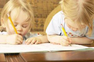 Comment développer la coordination droit et cerveau gauche d'un enfant