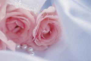 Comment faire Roses en tissu pour une robe de mariée