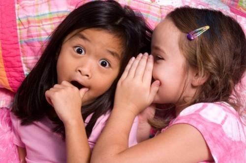 Comment apprendre aux enfants des compétences d'écoute