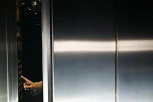 Comment Buff les rayures sur acier inoxydable ascenseur Murs
