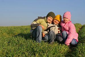 Jeux de plein air pour les enfants à l'école primaire