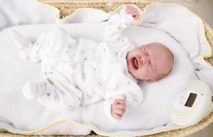 Comment calmer un nouveau-né qui pleure