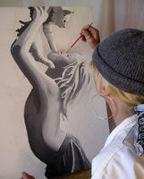 Comment peindre sur une toile de fond de toile