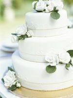 Comment décorer un gâteau à trois niveaux