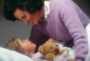 Comment traiter avec des enfants qui ne veulent pas dormir dans leurs propres chambres