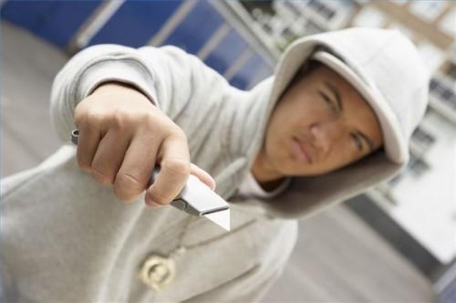 Comment aider un pacte de l'adolescence avec les gangs