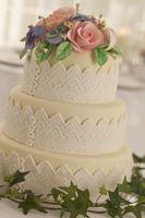 Comment servir un gâteau de mariage