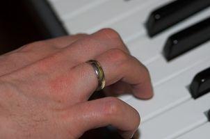 Comment tenir vos mains lorsque Jouer du piano