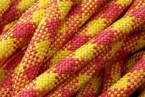 Comment faire Halters de corde avec quatre Muserolle Knots
