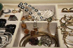 Comment décorer une table pour les bijoux
