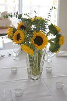 Fleur Centres pour les mariages avec des fleurs, l'eau et Bougies