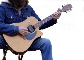Comment réparer une fissure dans un Top Guitare acoustique solide