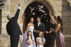 Que dois-je besoin d'acheter pour un mariage catholique?