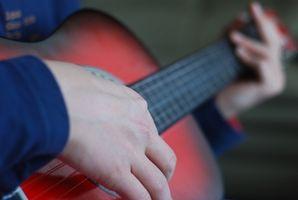 Comment jouer Power Chords sur une guitare acoustique