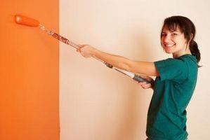Comment peindre un mur dans un double-remorque large