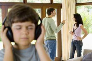 Moyens qui peuvent aider enfants à se adapter au divorce