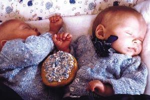 Cadeaux pour les jumeaux nouveau-nés et leurs mamans