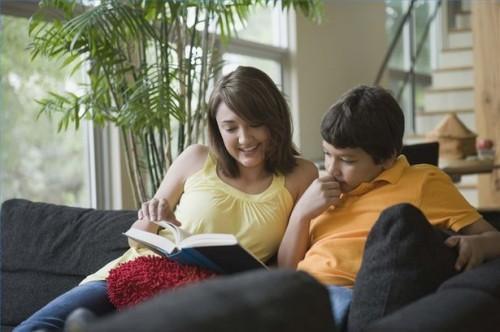 Comment intéresser les enfants dans les clubs de lecture