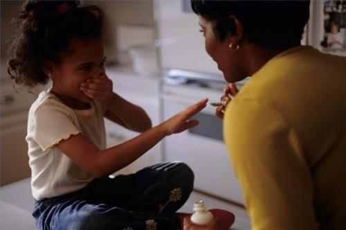 Comment obtenir votre enfant à prendre des médicaments