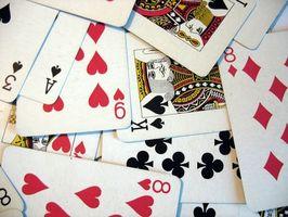 Comment jouer deux Solitaire Handed Avec Cartes