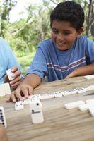 Jeux avec des dominos pour l'enseignement des mathématiques