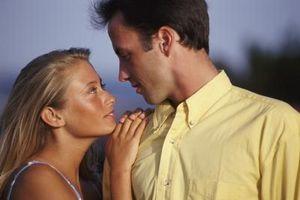 Comment faire un Guy peur de l'engagement Fall in Love With You